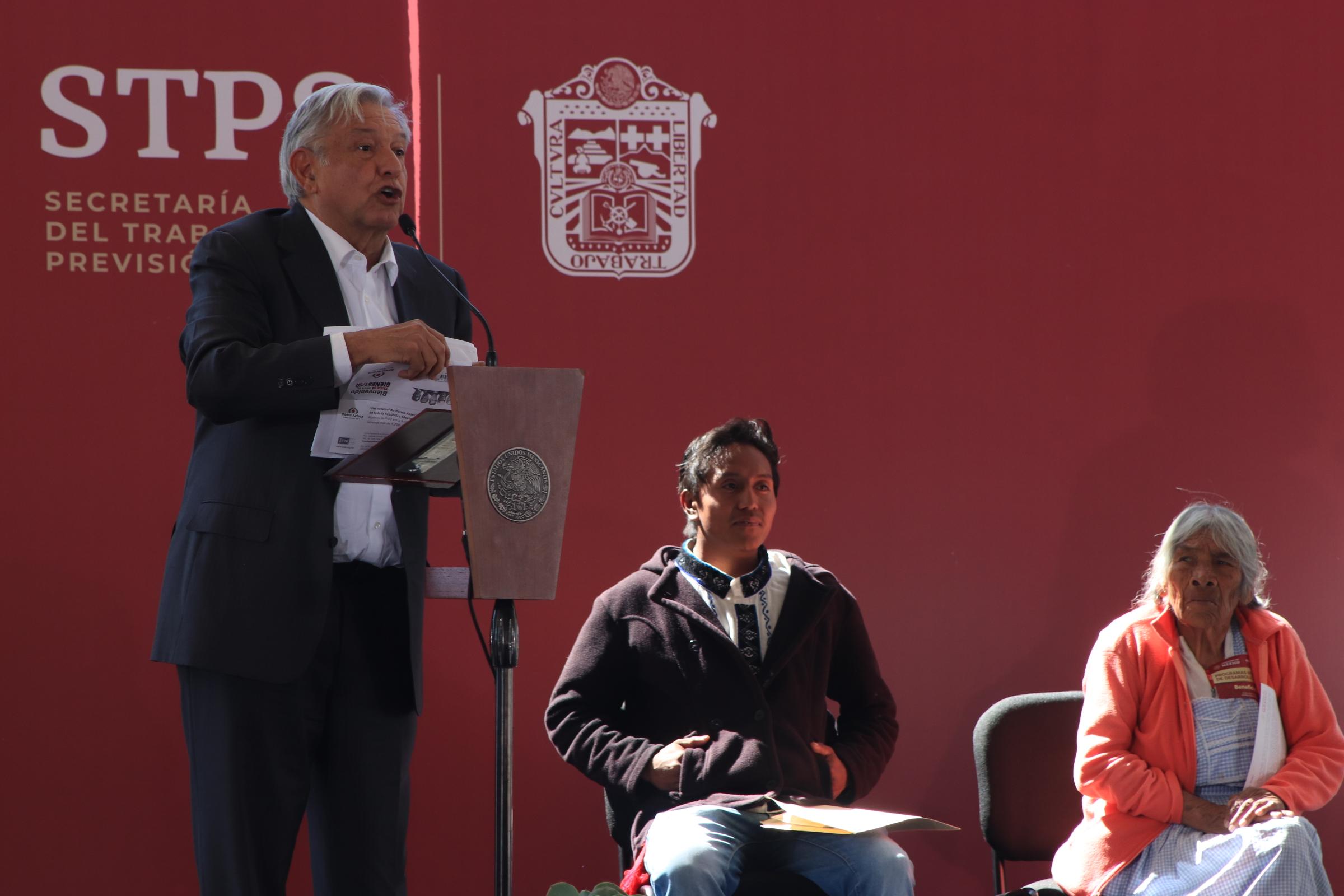 AMLO lanza Plan de Bienestar en recorrido contra el 'huachicol'