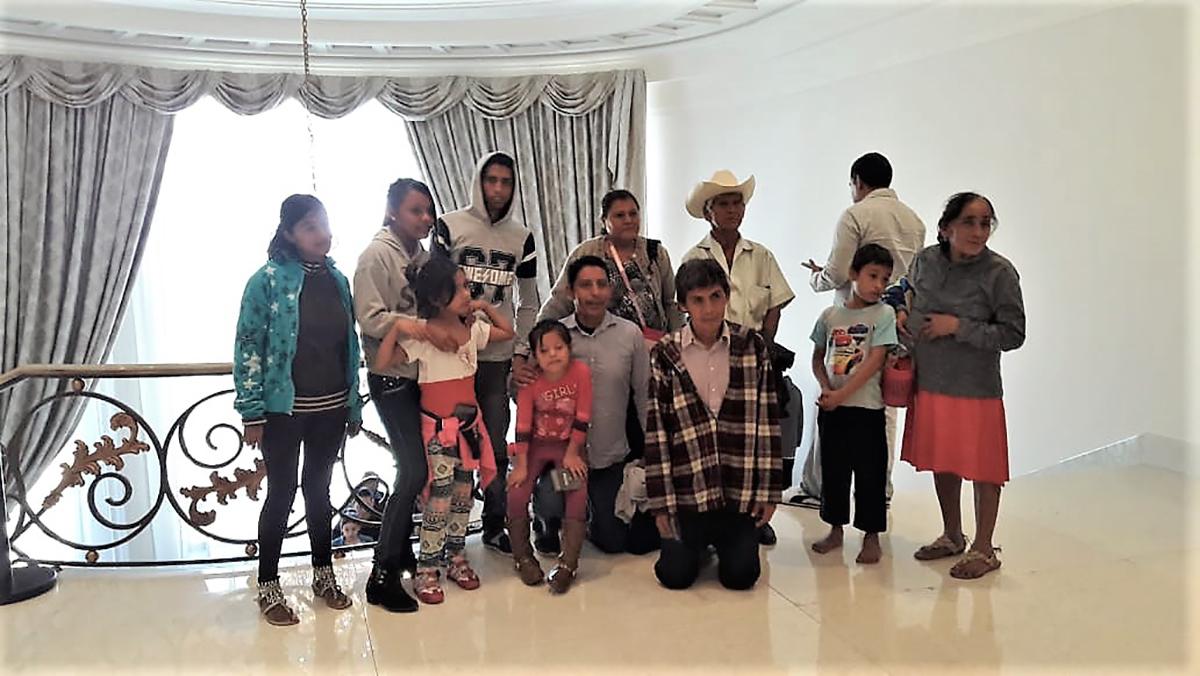 De la colonia Mártires de Cuilapa, la primera familia acapulqueña que visitó Los Pinos