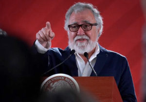 'México es una enorme fosa clandestina': Encinas