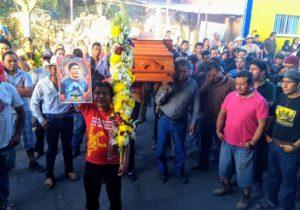 Comunidades despiden a Samir Flores; llaman a boicotear consulta