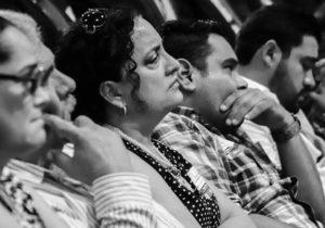 En disculpa pública, padres de jóvenes desaparecidos exigen 'ni perdón ni olvido'
