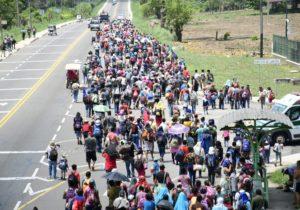 Nueva caravana con 2 mil 500 migrantes ingresa a México rumbo a EEUU