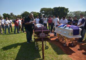 Homenajean a beisbolistas asesinados en Minatitlán durante visita de AMLO a Veracruz