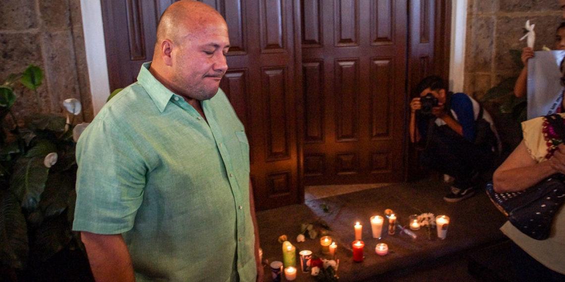 Mujeres confrontan a gobernador de Jalisco por el feminicidio de Vanesa Gaytán