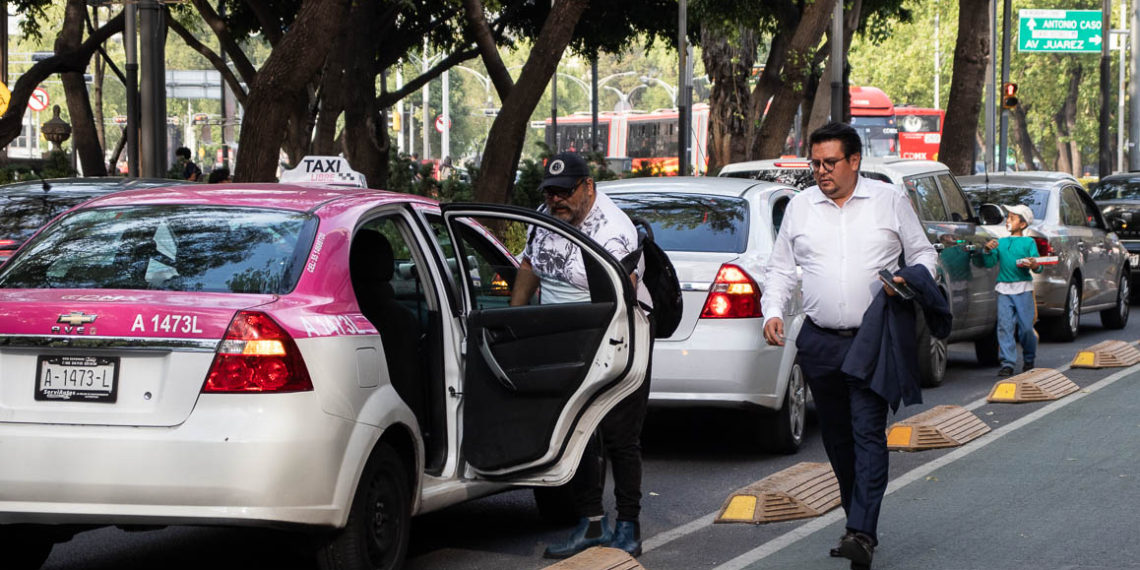 Nuevos requisitos para conductores de Uber y Cabify