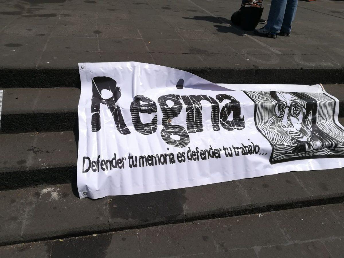 Han pasado siete años del asesinato de la periodista Regina Martínez Pérez sin una señal clara de justicia. Los encargados de aplicarla no han valorado más pruebas que permitan cambiar la línea de investigación original. Tres gobiernos estatales y la impunidad continúa.