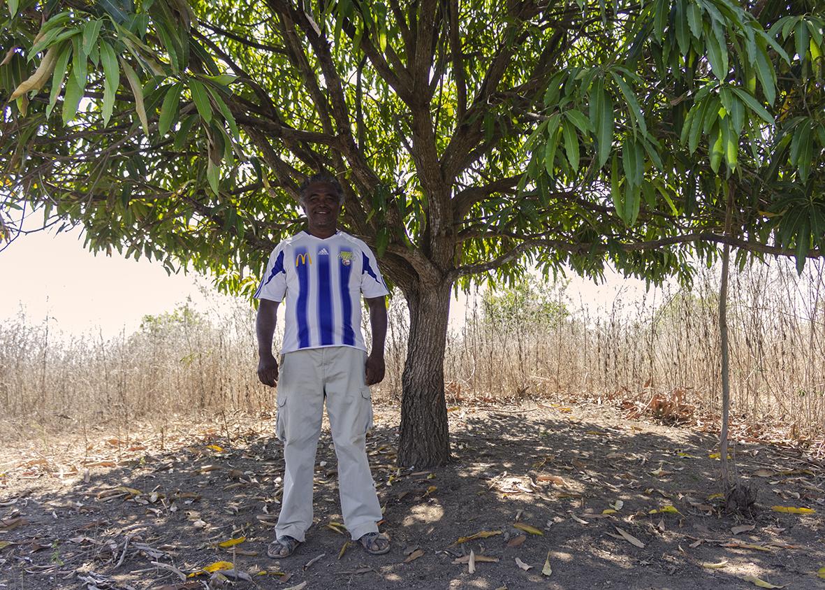 Hugo documenta de la vida en su pueblo y aboga por la no folklorización para combatir estereotipos. Foto: Hugo Arellanes