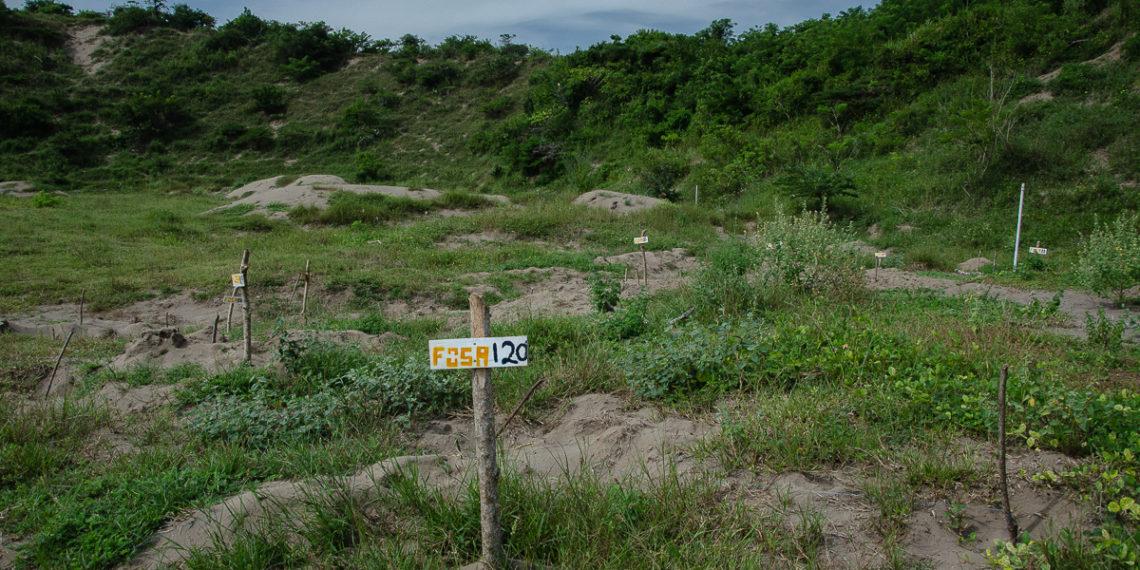 Drones sobrevuelan tierras de fosas