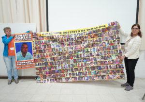 Familiares de personas desaparecidas comparten sus conocimientos de búsqueda
