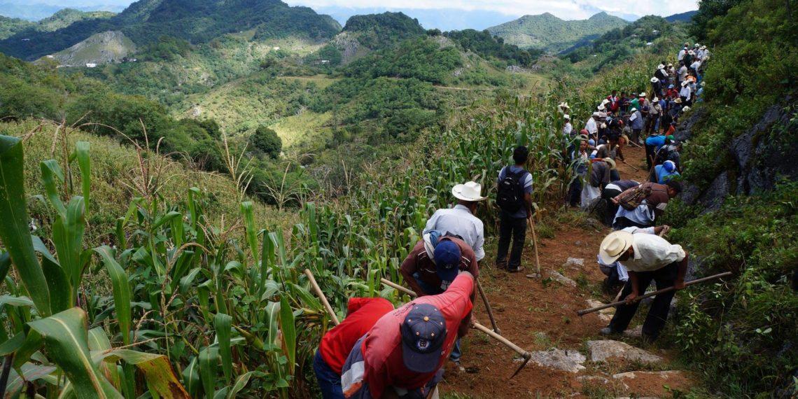Exploradores estadounidenses mapean cuevas de la sierra de Oaxaca