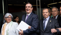 Ebrard pide unidad al Congreso…