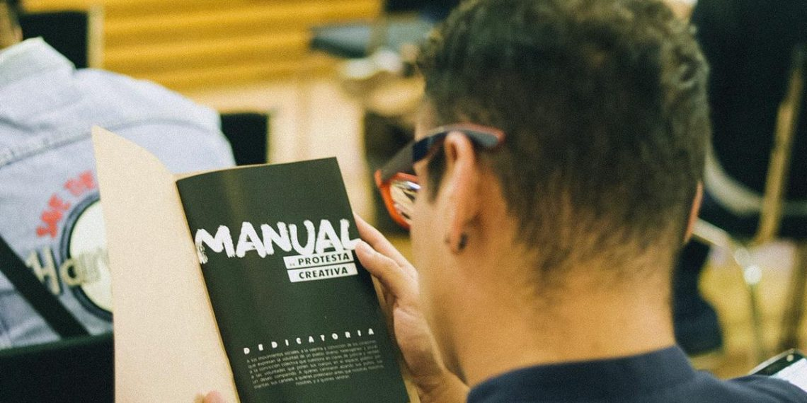 Un  manual para tomar las calles con el arte