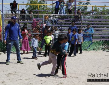 Niños rarámuri 'luchan' para vencer al mal