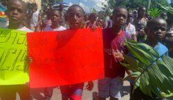 Marchan migrantes africanos en Tapachula