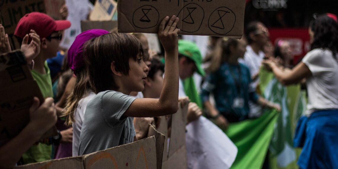 Demandan a gobiernos y a empresas frenar el cambio climático