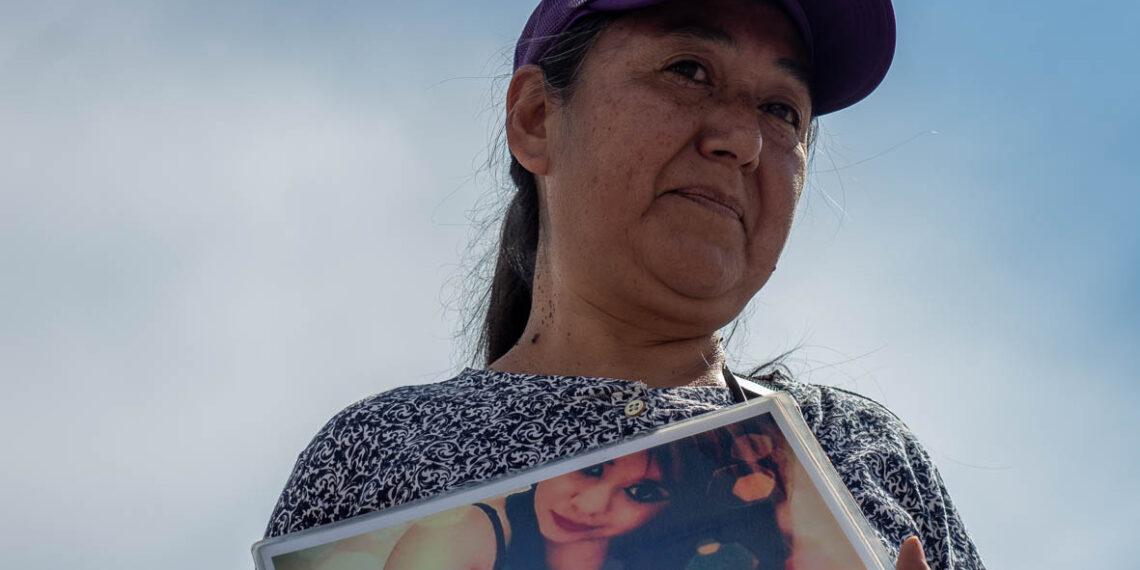 Seis consignas y un silencio por las mujeres asesinadas y desaparecidas