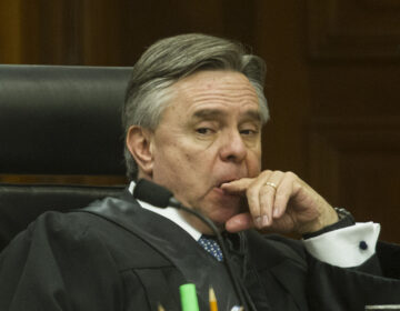 Senado acepta renuncia Medina Mora a la SCJN