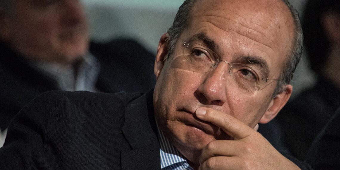 Tras protestas, Calderón declina invitación al Tec de Monterrey