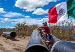 """Inicia AMLO gira por pueblos indígenas; enfrenta """"polvorines"""" contra megaproyectos"""