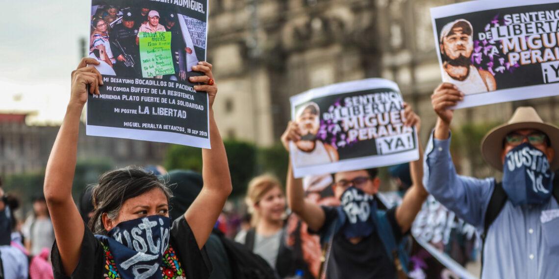 Liberan a Miguel Peralta después de 4 años de prisión