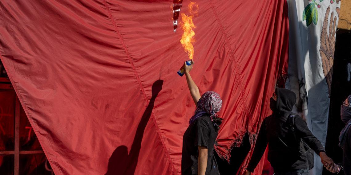 Piden destitución de Graue en protesta antiacoso en la UNAM