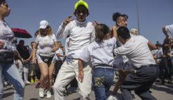 Arman baile en el Zócalo…